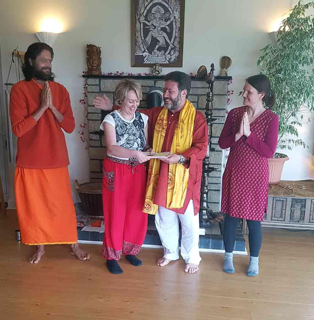 Cardiff Yoga teacher Amanda Powell (Anjali) with her own teachers in the Gitananda tradition: Yogachariya Jnandev, Yogachariya Dr Ananda Balayogi Bhavanani and Yogacharini Deepika